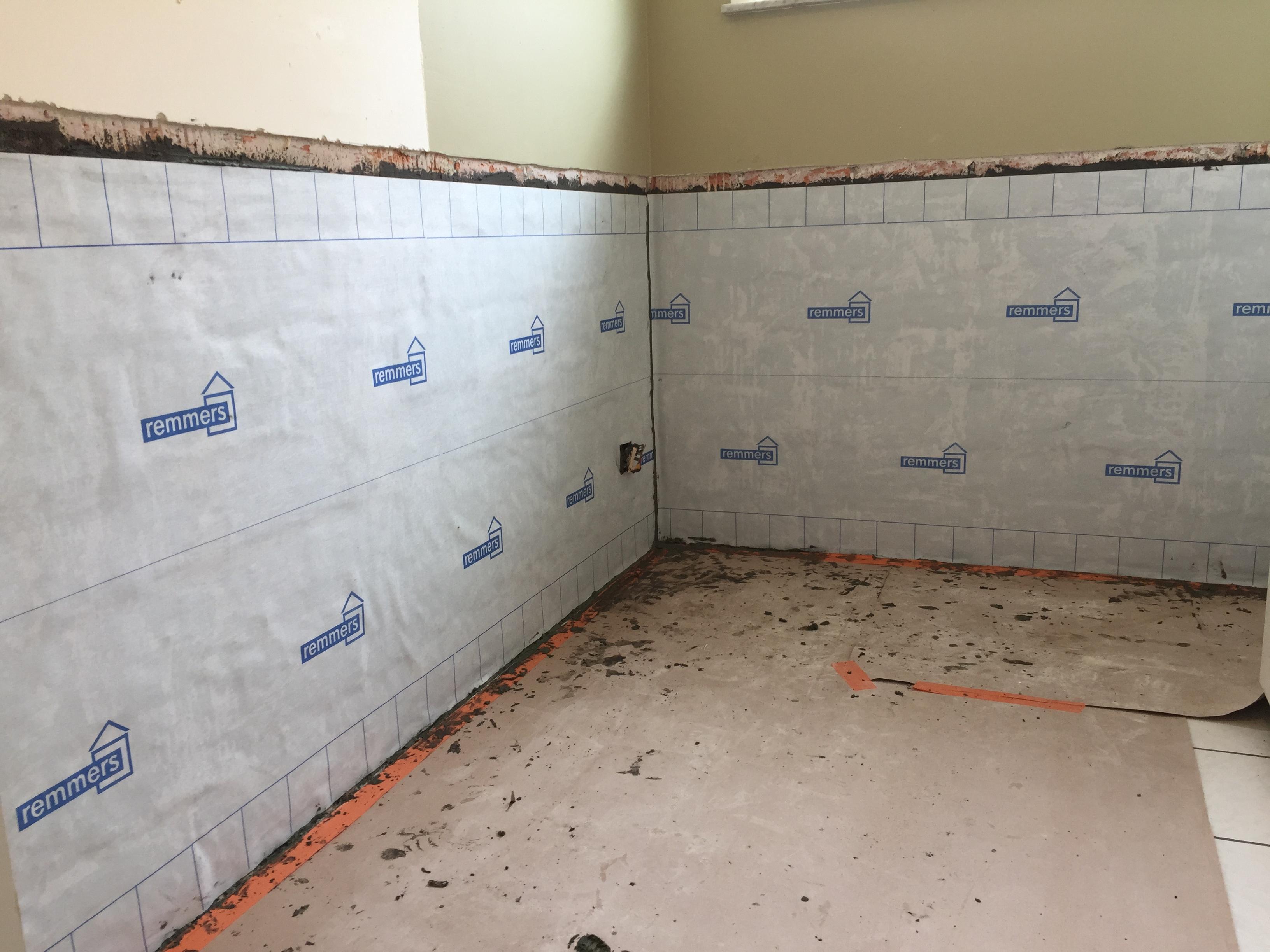 Badkamer Renovatie Limburg : Renovatie muren na vochtschade door lek in beverlo limburg